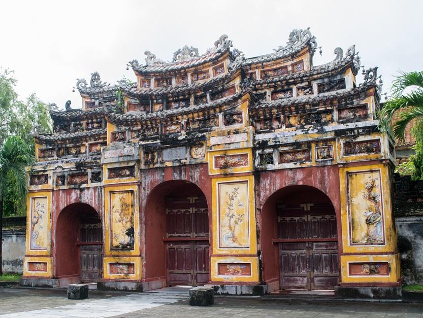 visit hue . trip to vietnam