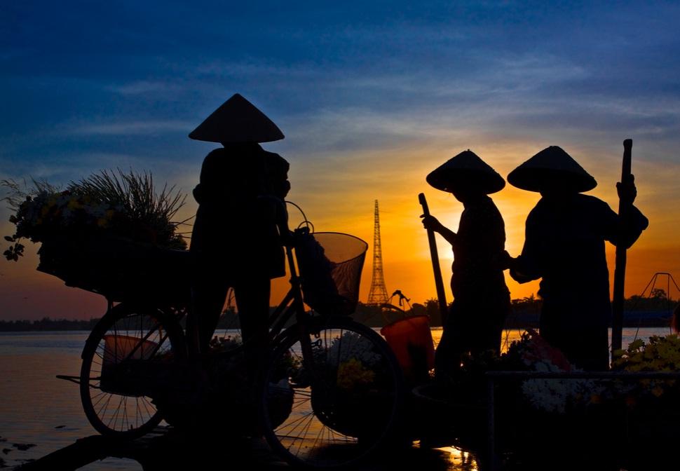 Discover charming Vietnam with some unique Vietnam packages tours