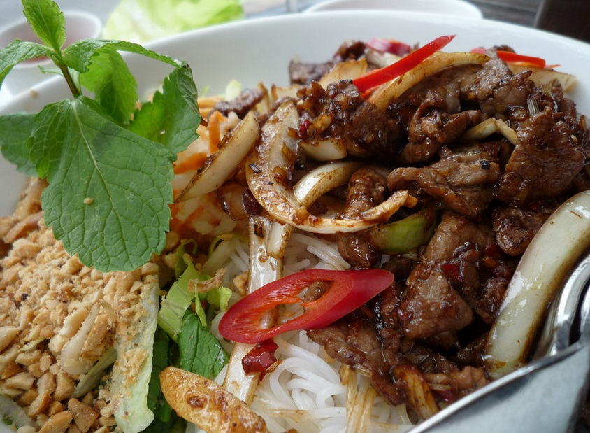 Vietnamese foods are very special, try them!