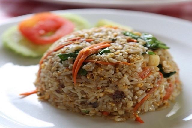 friend rice khao pad