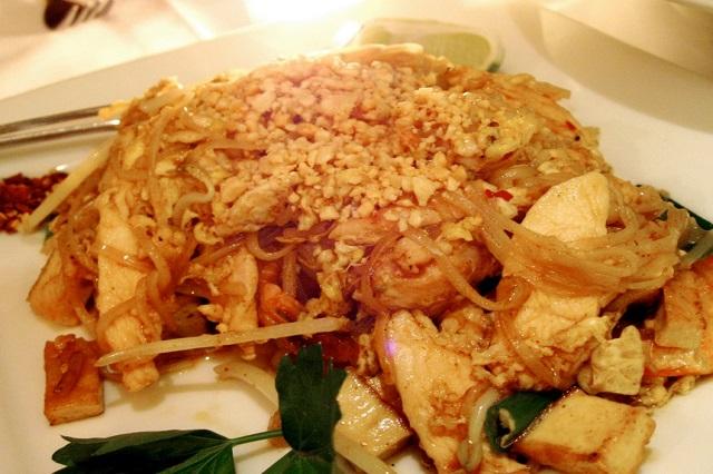 pad thai friend noodles