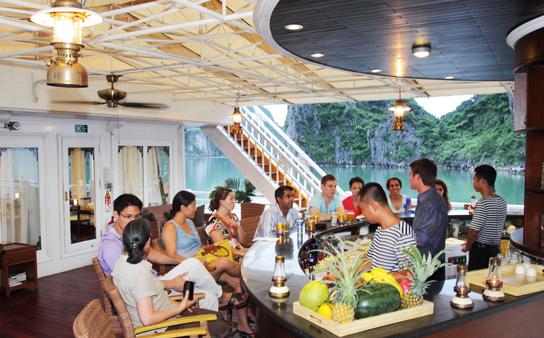halong-bay-auco-cruises-lan-ha-bar