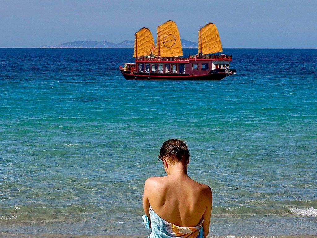 vietnam cruises emperor cruises
