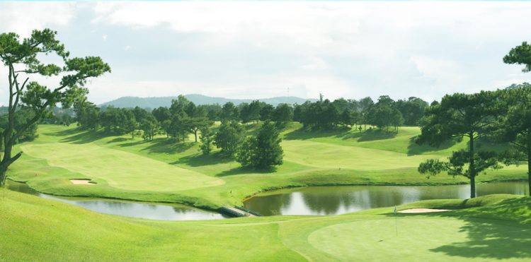 Dalat golf course - Best place to celebrate Christmas in Vietnam