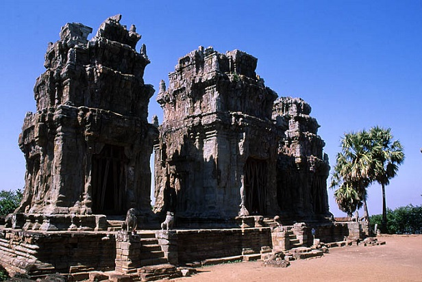 Where to see the sunset and sunrise in Angkor Wat