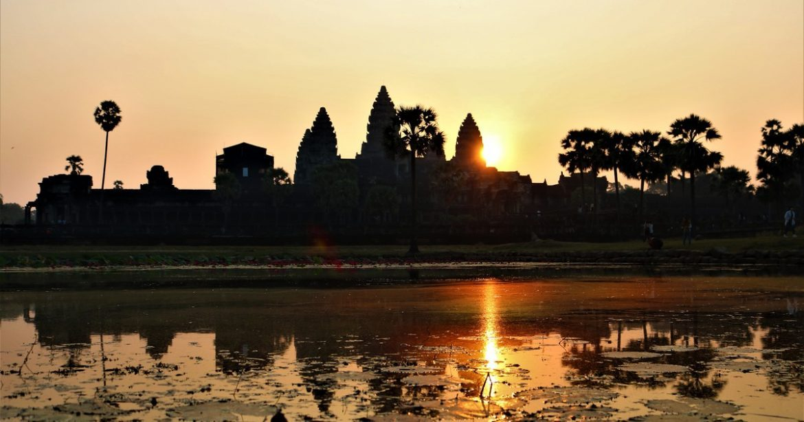 Sunset and sunrise in angkor wat