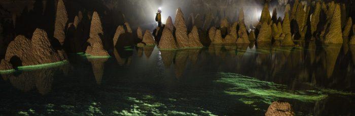 hang va cave tour vietnam