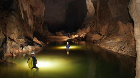 dark cave - phong nha ke bang