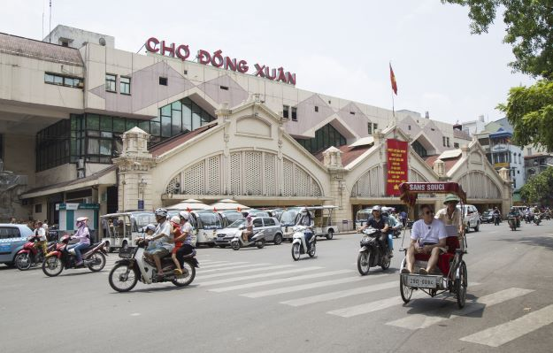 Ding Xuan market - Hanoi nightlife
