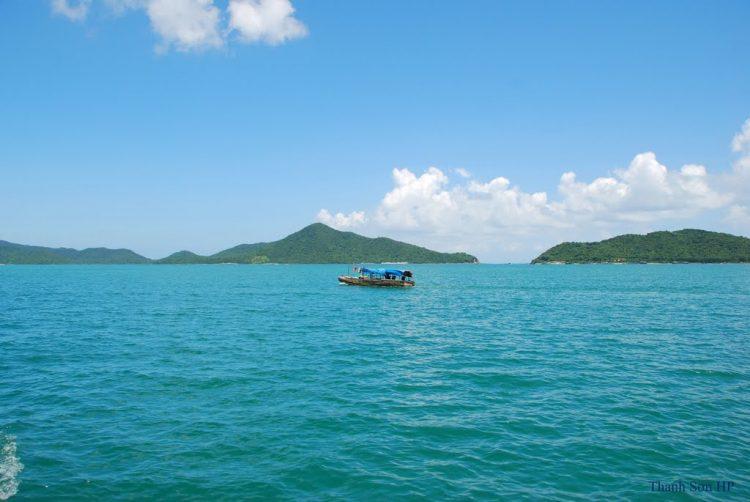Ba Mun Island - The Pearl of Bai Tu Long Bay Halong Bay Tour