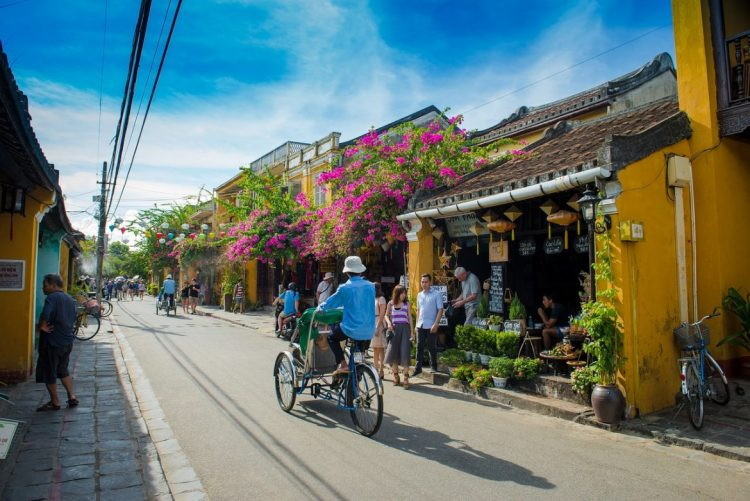 hoian - How to organize for summer vacation Vietnam Cambodia