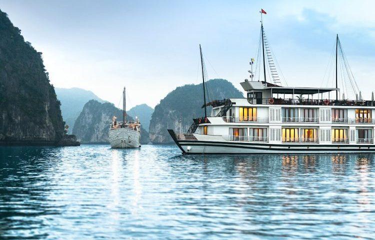 Halong bay - Vietnam Cambodia Tour - Sightseeing tour