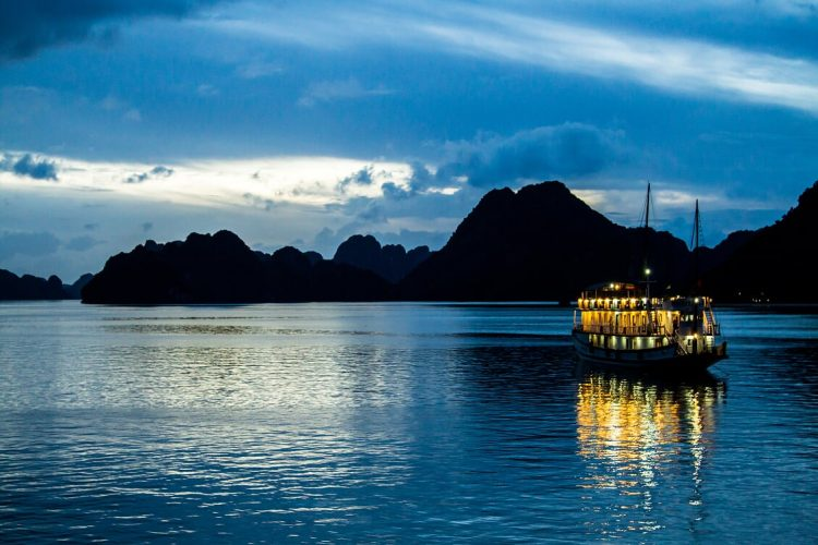 halong - Vietnam and Cambodia summer vacation