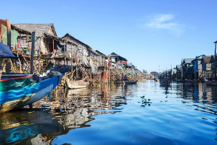 Tonle sap lake - Benefits of Private tour to Vietnam and Cambodia