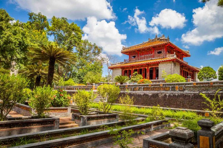 minh-mang-tomb-Vietnam-Fine-Arts-and-Culture-tours