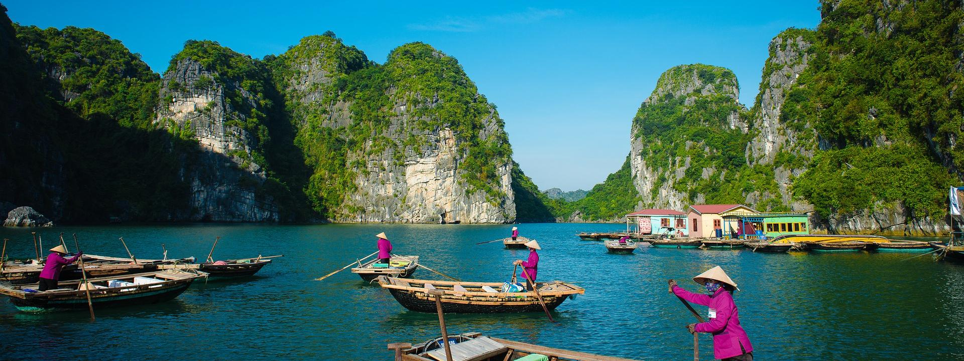 Bhaya Classic Cruise in Halong Bay 3 days