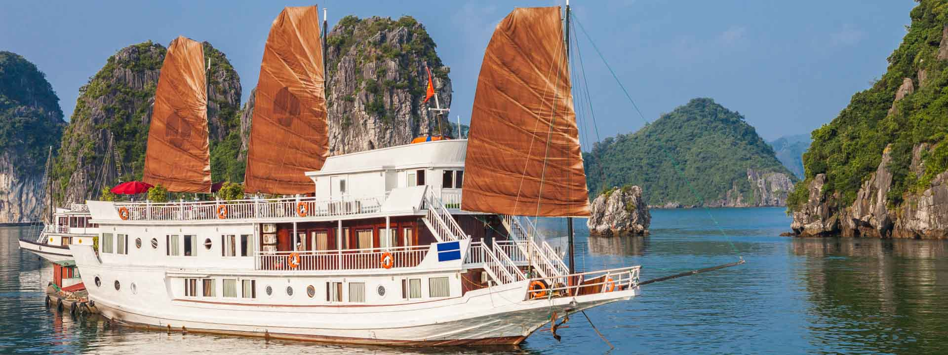 Discover Hanoi Charms & Halong Bay Cruise in Style 6 days