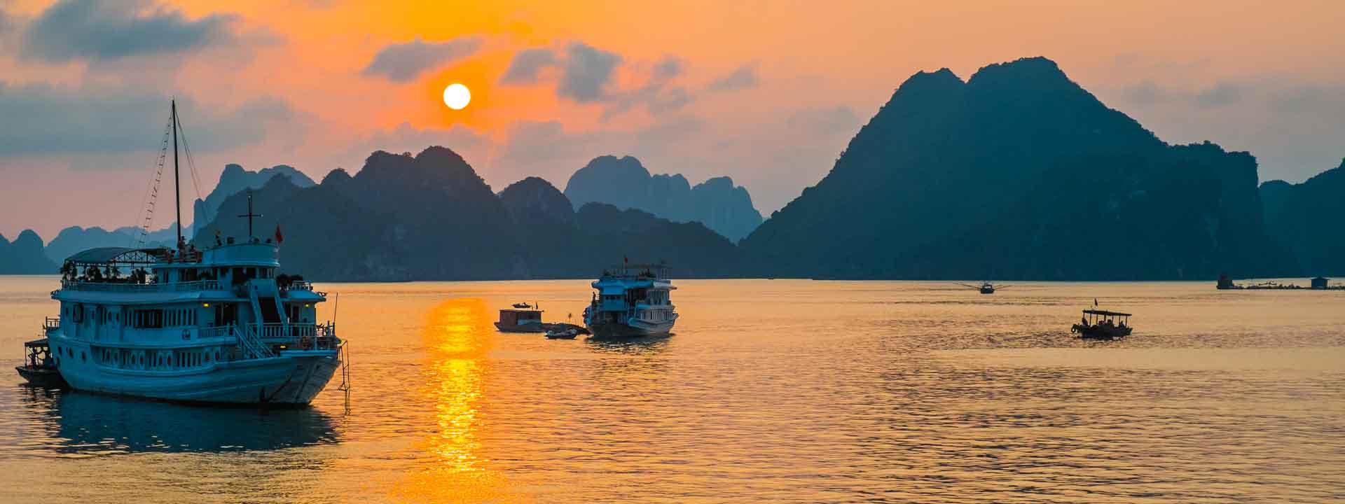 Explore the Untouched Areas of Halong Bay with Heritage Line Violet Junk 3 days